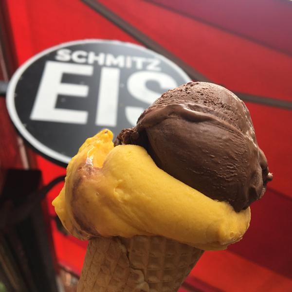 Schmitz Eis . Eisdiele mit veganem Eis