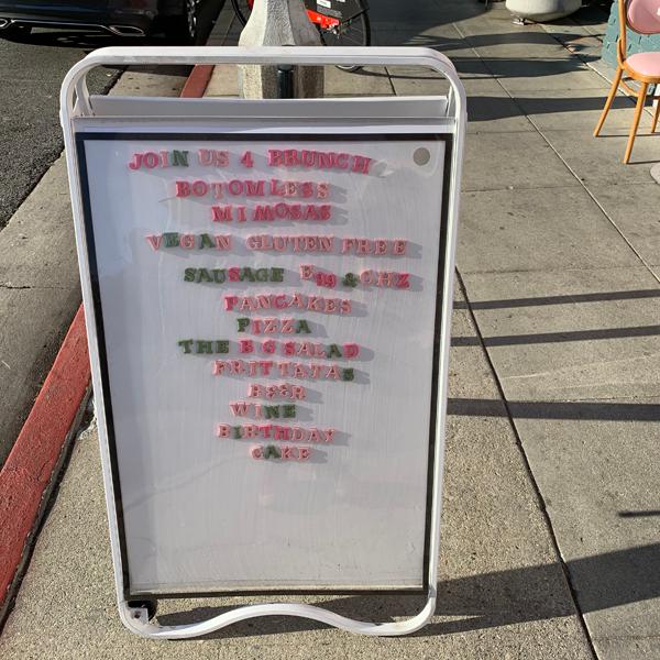 Erin McKenna's Bakery . Veganes Café
